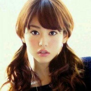 桐谷美玲-髪型-セミロング-パーマ-ポニテ