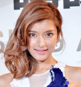 ローラ髪型1