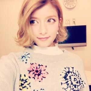 ローラ髪型7