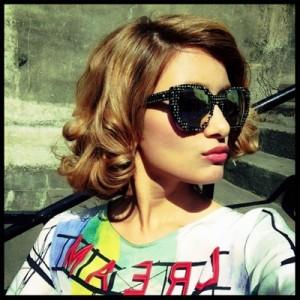 ローラ髪型8