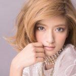 ローラ 髪型 ミディアム ボブ 巻き方 オーダー方法