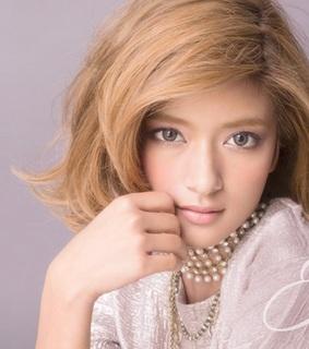 ローラ髪型9