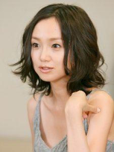 40代髪型ショート丸顔8